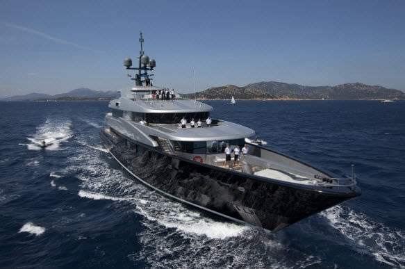 With a 60m overall length slipstream is the largest motor yacht ever